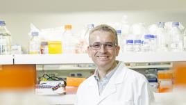 Dr Michael Janitz